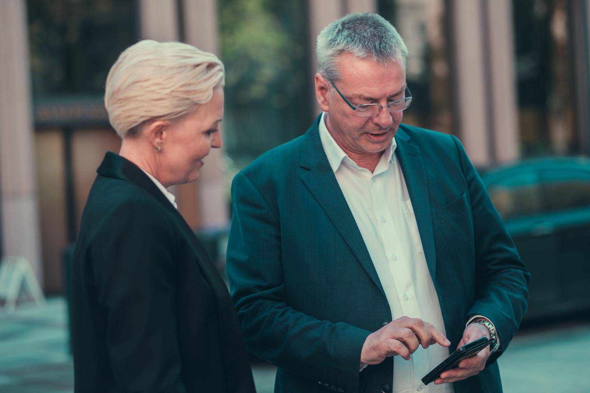 FotoWare employees using the FotoWare Mobile App