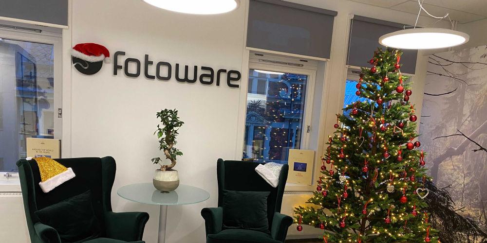 FotoWare festive office